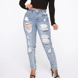 Fashion Nova NWT HighWaist Destructed Jeans Size 9